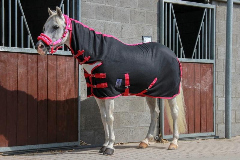 Dkr Sports Mini Fleece Rug With Neck